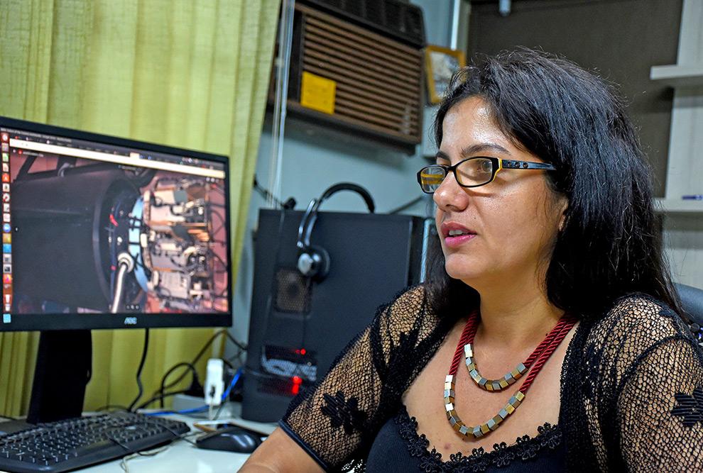 Professora Flávia Sobreira, do IFGW